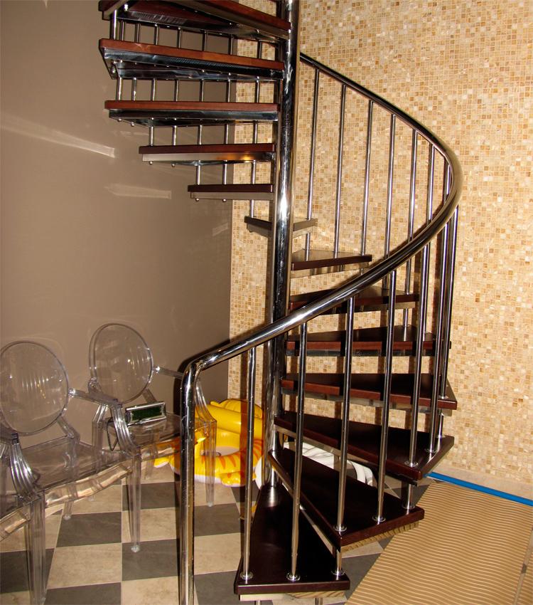 фото нержавейки винтовые из лестницы
